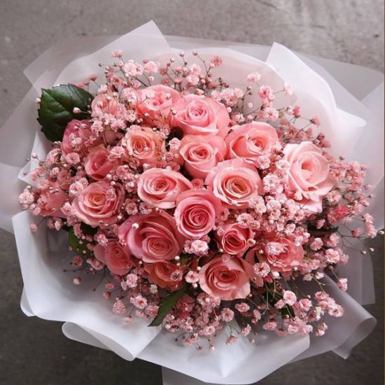 Fantastic Pink Rose with baby's breath
