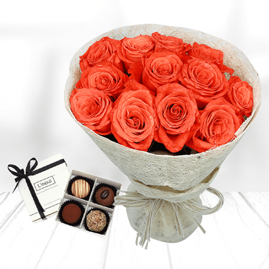 rose bouquet with chocolate