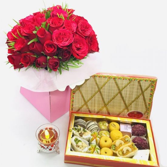 rose with sweet box