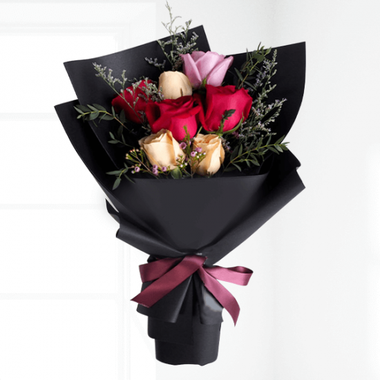 rose bouquet with black wrap