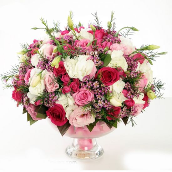 Flower arrangements of lisianthus,roses and Hydrangeas from JuneFlowers.com
